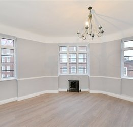 Apartment sold in Stourcliffe Street view1