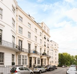 Maisonette to rent in Stanhope Place view1